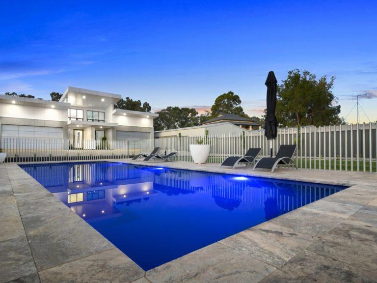 Bermuda Lifestyle Swimming Pools