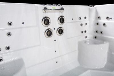 M5watersedgeEXTREME-interior01-web__FillWzk0MCw2MzBd