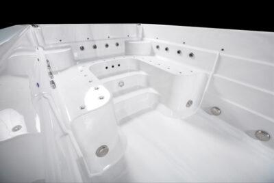 M5watersedgeEXTREME-interior02-web__FillWzk0MCw2MzBd