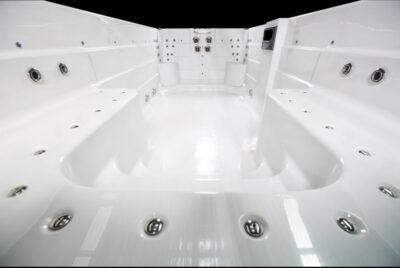 M5watersedgeEXTREME-interior03-web__FillWzk0MCw2MzBd