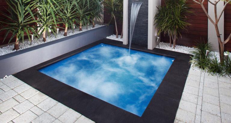 Perth-Sorrento-Spa-Sapphire-Blue-web
